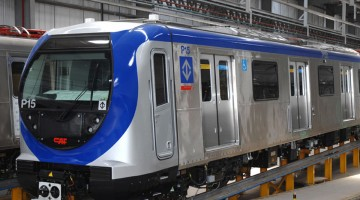Trem da frota P do Metrô - Linha 5 Lilás