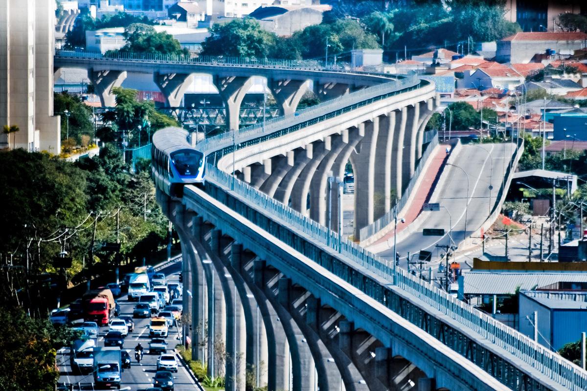 Linha 15-Prata: atraso e aumento do custo durante a construção