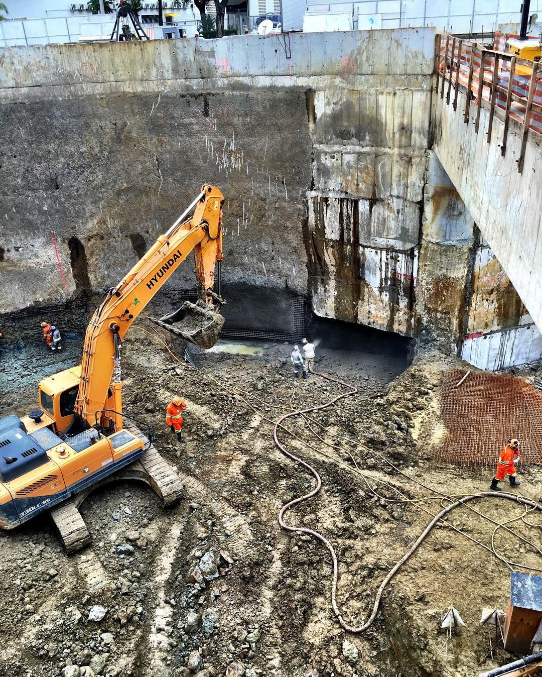 Poço de onde sairão as tuneladoras é a obra mais adiantada (reprodução Instagram)