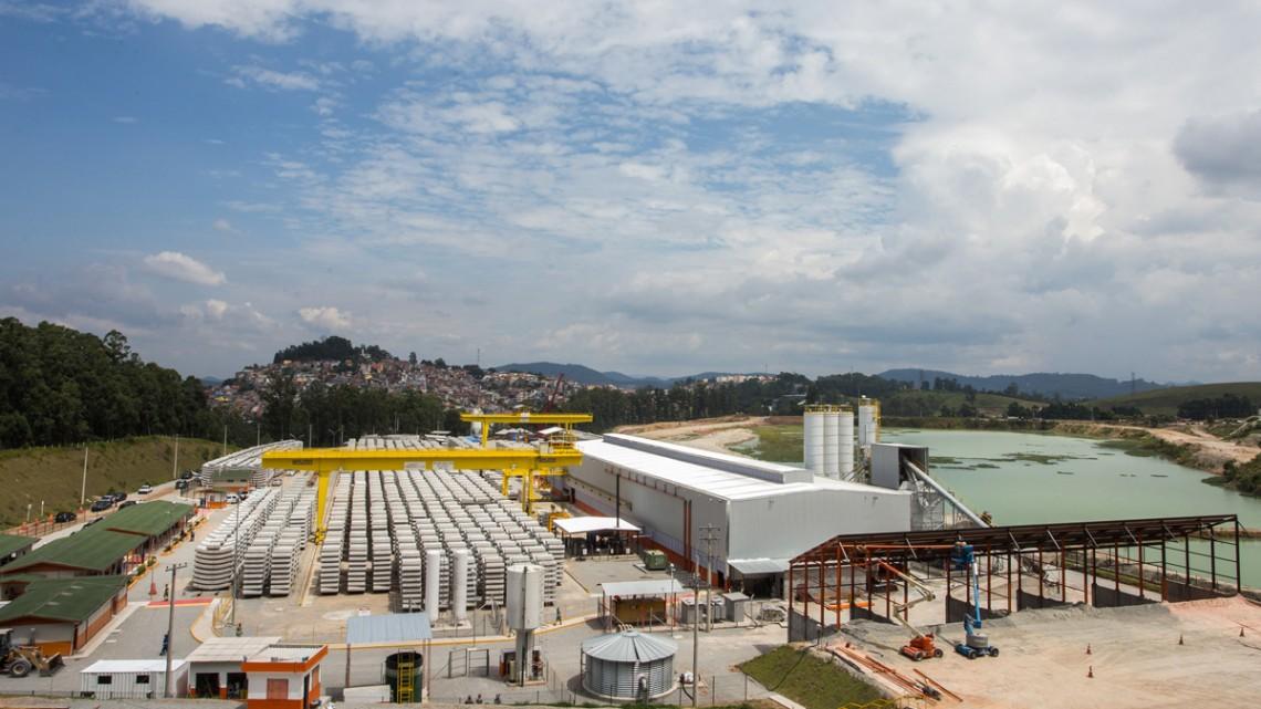 Fábrica dos anéis dos túneis da Linha 6-Laranja, em Perus