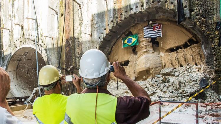 Fim do trabalho: Lina e Tarsila (túnel do lado esquerdo) escavaram cerca de 10 km de túneis em pouco mais de dois anos