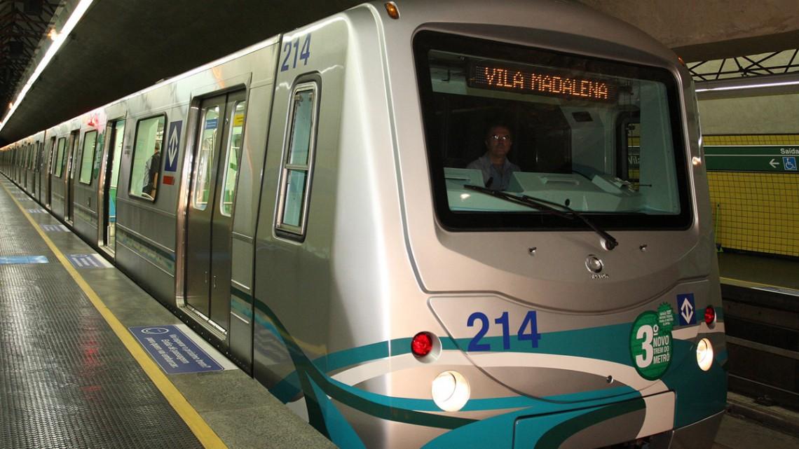 Trem na Linha 2 do Metrô: governo revelou planos para os próximos anos