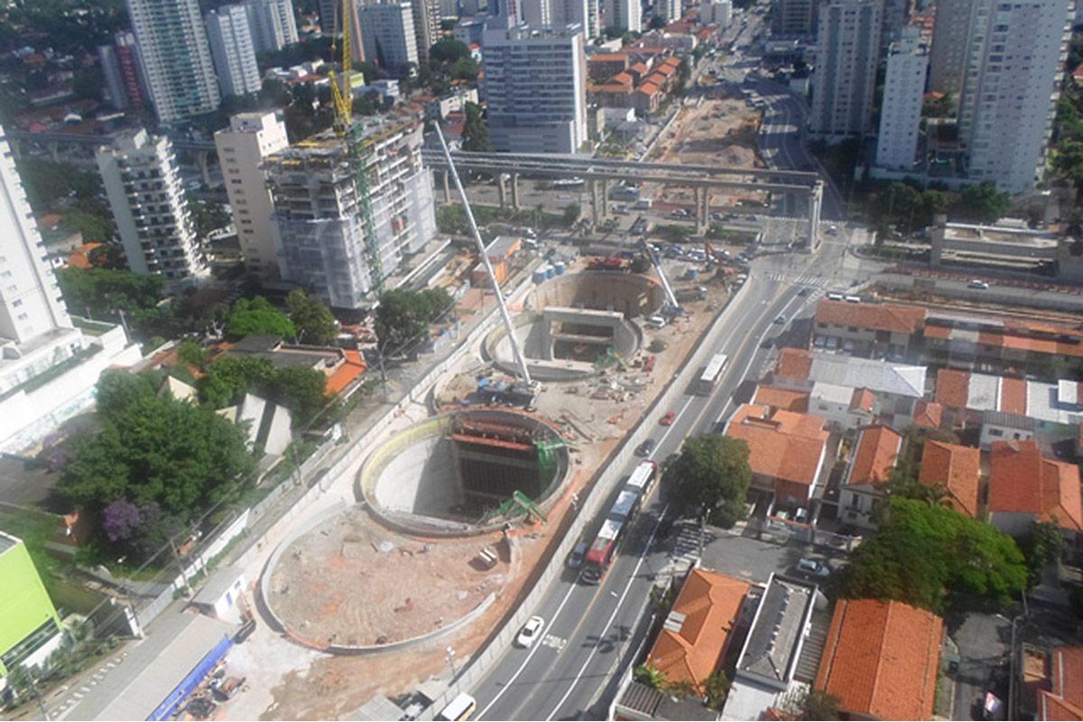 Vista aérea da estação Campo Belo