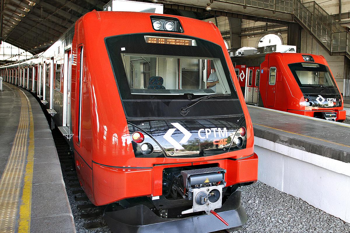 Trens usados na Linha 8