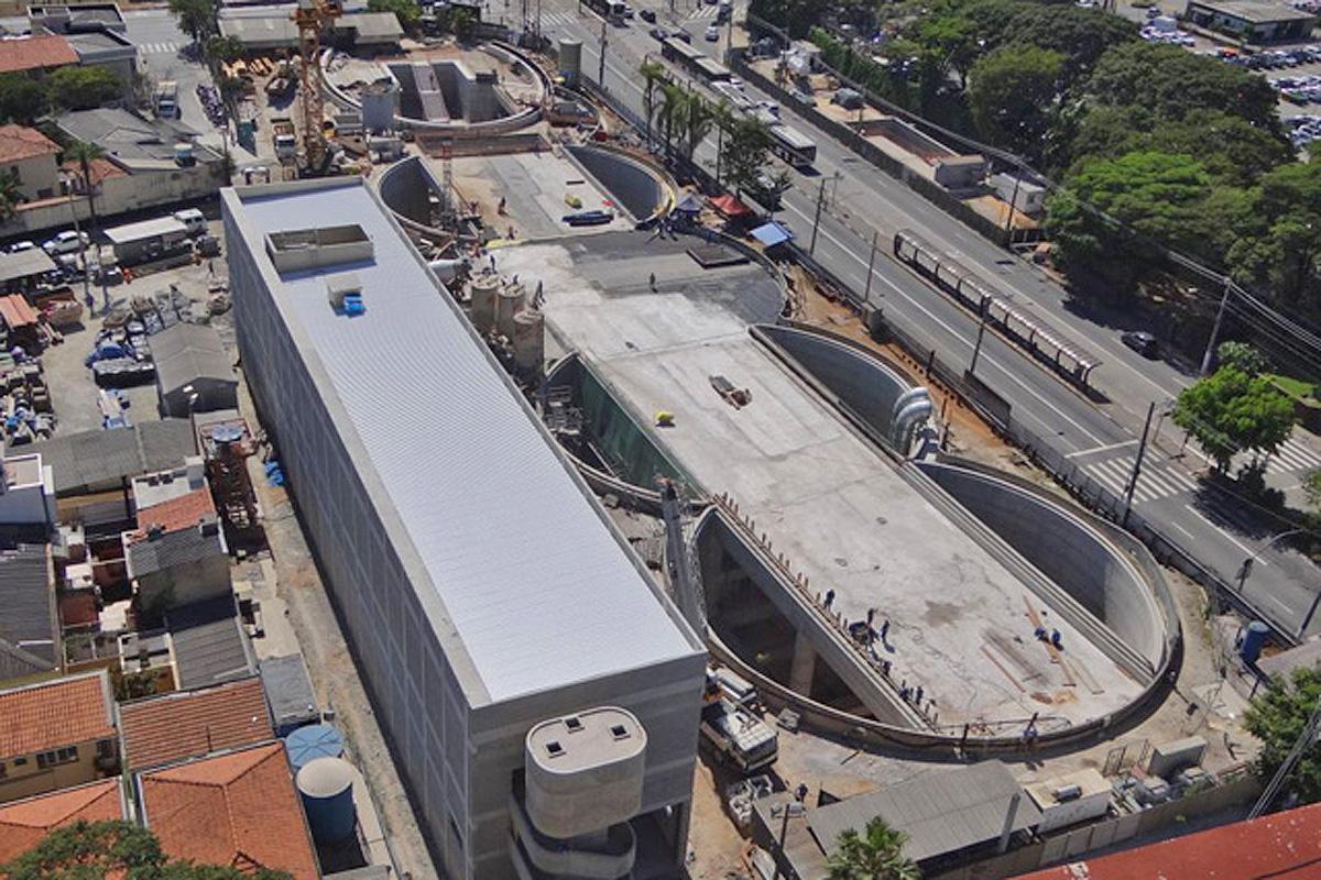 Vista aérea da estação Brooklin: terminal da Linha 5 no início de 2017