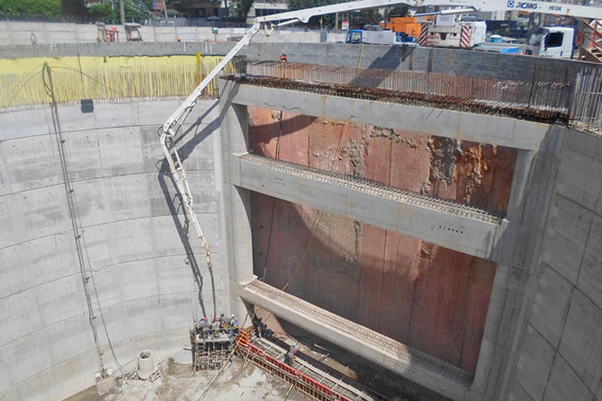 Mais atrasada da linha, estação Campo Belo ainda está na fase de escavação