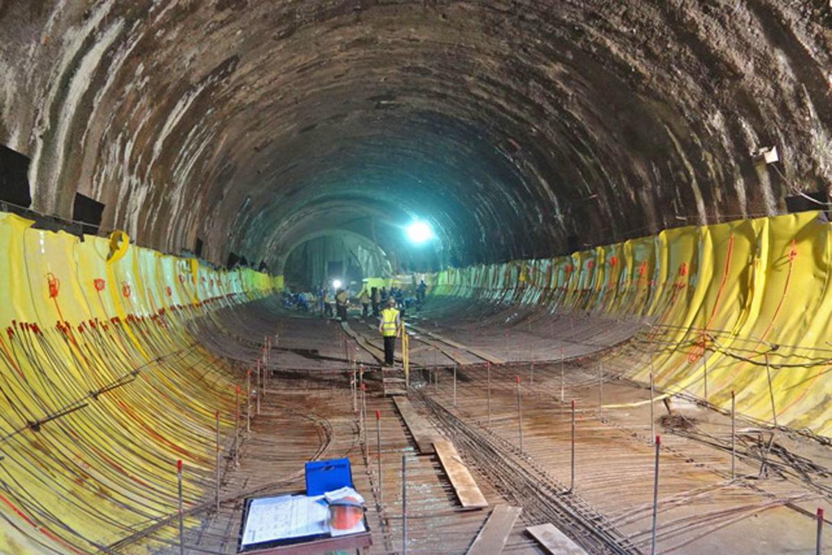 Trecho do túnel que liga a estação Adolfo Pinheiro ao trecho em expansão