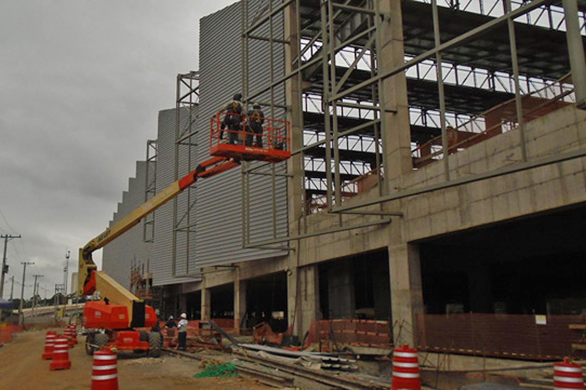 Galpão onde será feita a manutenção dos trens da Linha 5