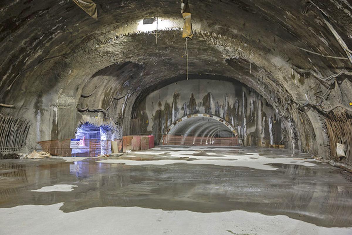 Estação Santa Cruz: ao fundo é possível ver o túnel sentido Chácara Klabin