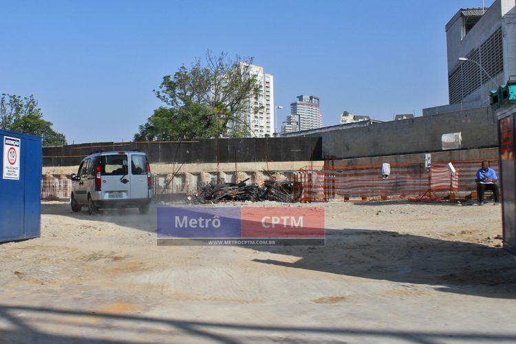 Ao fundo será construído o prédio administrativo e o acesso principal da Chucri Zaidan