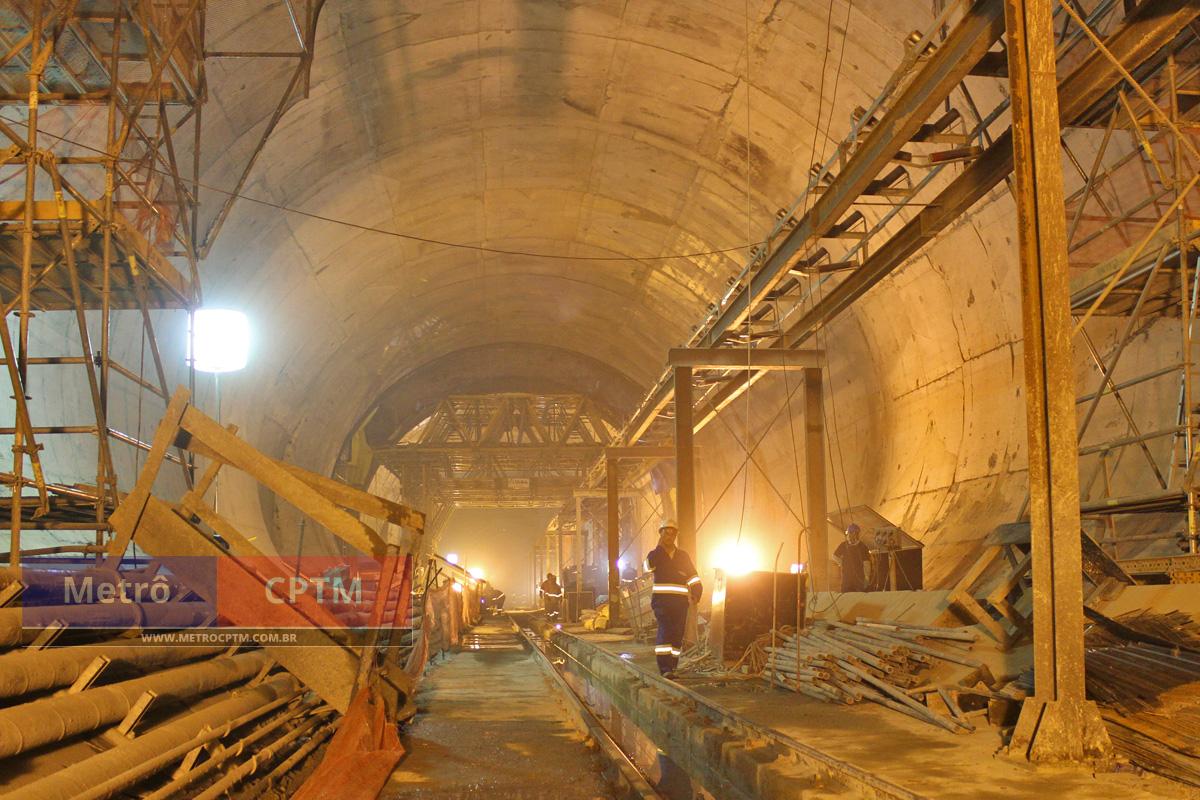O túnel sentido Santa Cruz