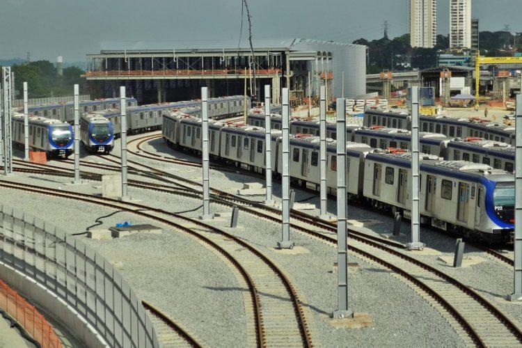 Trens da Linha 5-Lilás: maior presença da iniciativa teria motivado governo a criar agência reguladora