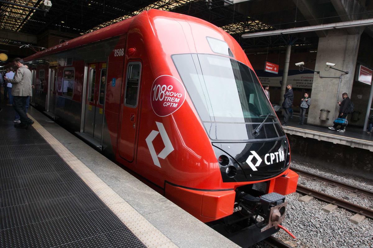 Série 8500 na estação Barra Funda