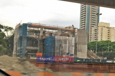 Prédio administrativo da estação Ver. José Diniz